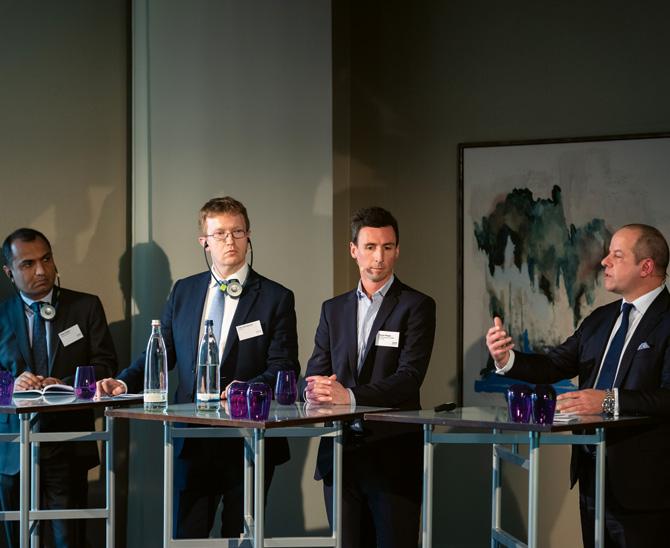 Das alternative Quartett diskutierte kontrovers über Neuerscheinungen auf dem Hedgefonds-Markt: Vikas Kapoor (Alliance Bernstein), Dr. Toby Goodworth (Bfinance), Florian Plepla (BTV) und Ralph Gasser (GAM) (v.l.n.r.). (Bild: Andreas Schwarz)