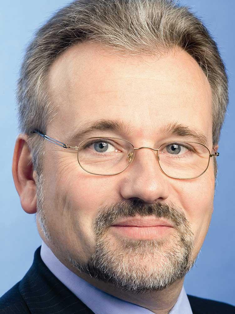 Dr. Hans-Wilhelm Korfmacher, Geschäftsführer, Versorgungswerk der Wirtschaftsprüfer und der vereidigten Buchprüfer im Lande NRW sowie Vorstandsvorsitzender, Club of Finance